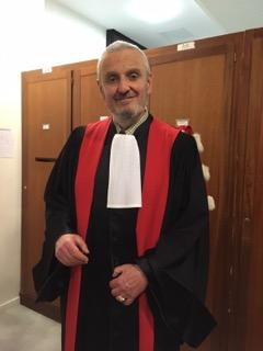 Pr Rials à la sortie du cours de Grandes doctrines le 2 XII 2016.jpg