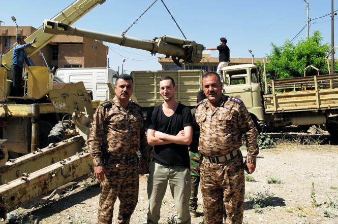 14 Louis-Cyprien et les officiers Peshmerga juin 2015.png