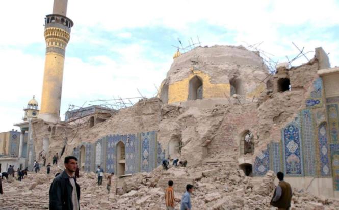 Destruction de la mosquée d'or de Samarra en 2006.png