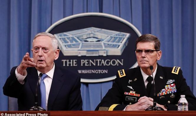 Les généraux Mattis et Votel au début d'avril 2017 à propos de l'affaire syrienne.png
