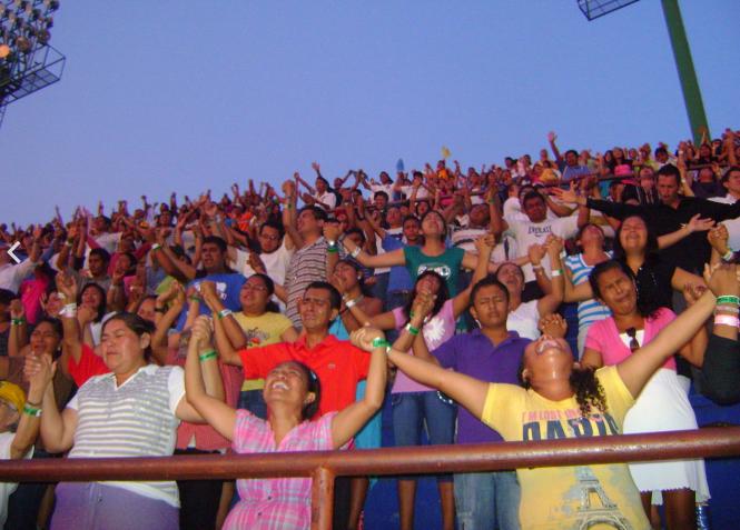 Pentecôtisme - Congrés national des jeunes des assemblées de Dieu à Cancun au Mexique en 2010.png