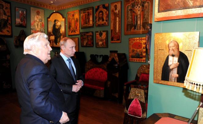 M. Poutine en compagnie du peintre Ilya Glazounov.png