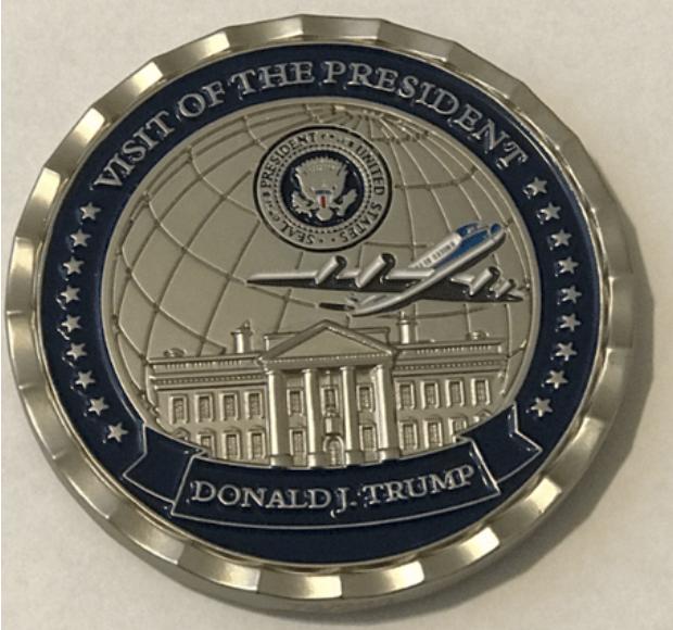 Médaille en vue de la rencontre entre MM. Kim et Trump, verso.png