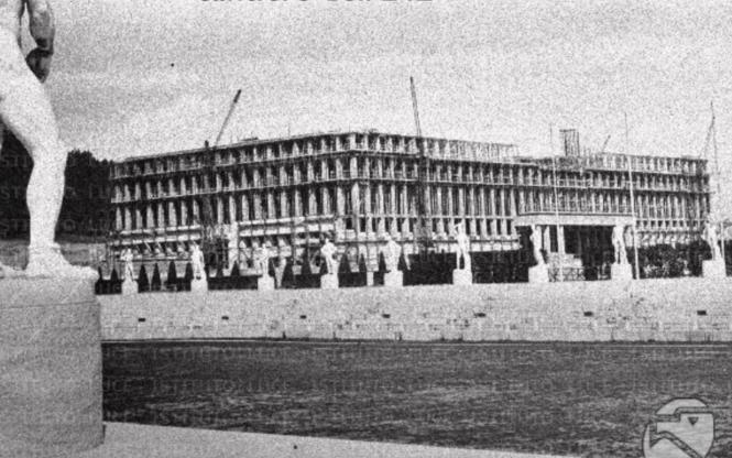 Le Palazzo della Farnesina àpeu avant son interruption en 1943.png