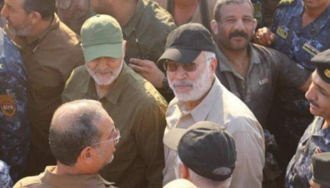al-Mohandes avec le général Soleimani sur le front de Fallouja contre Daech en mai 2016.png