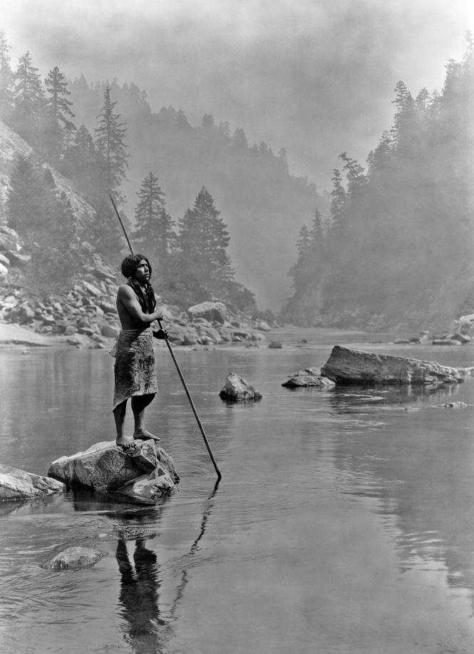Hupa un jour de brume - Curtis p. 1920.png